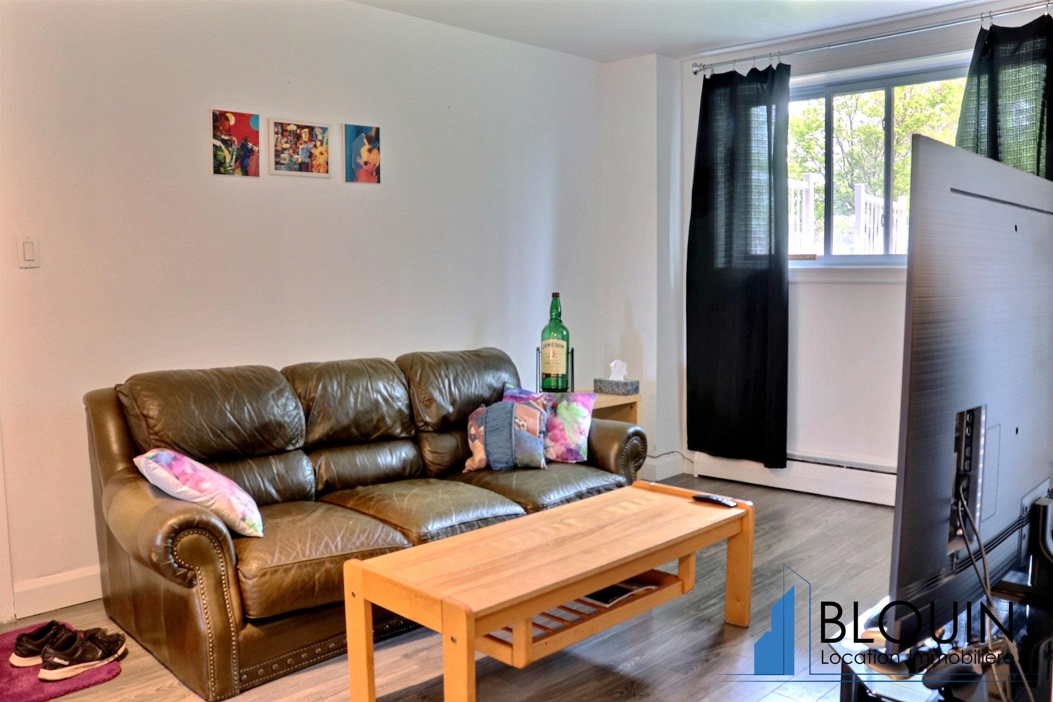 Photo 5 : 4 ½ à Charlesbourg, semi-meublé, pour Juin, Chauffage & eau chaude inclus + 2 Stationnements