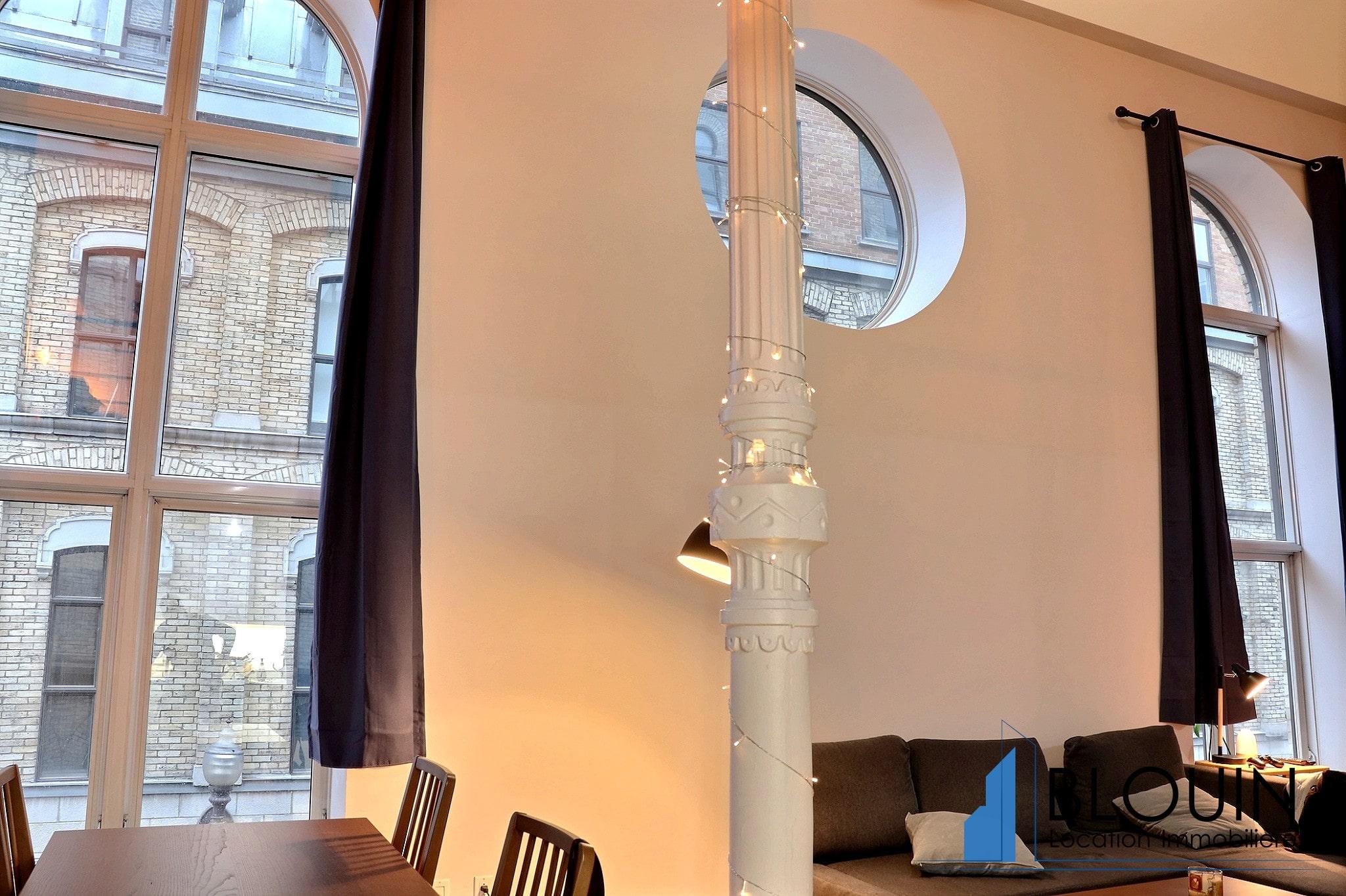 Photo 6 : Magnifique 3 ½ sur 2 étages, à St-Roch, libre pour Novembre, Semi-meublée
