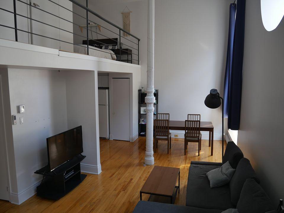 Magnifique 3 ½ sur 2 étages, à St-Roch, libre maintenant, Semi-meublée