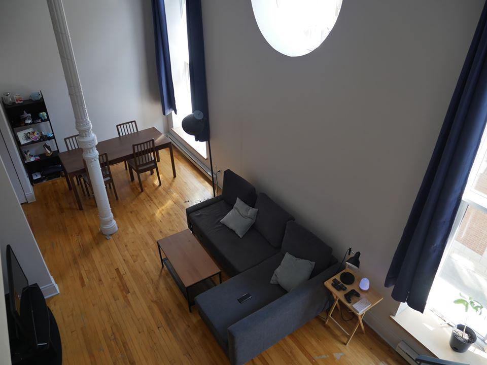 Photo 8 : Magnifique 3 ½ sur 2 étages, à St-Roch, libre pour Novembre, Semi-meublée